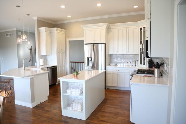 White_Cabinet_paint_repaint_kitchen_Iowa_City